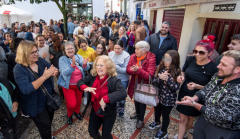 Celebración en Utrera, donde ha caído parte del cuarto premio de la Lotería de Navidad
